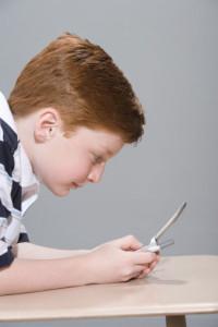 Выбираем мобильный для ребенка