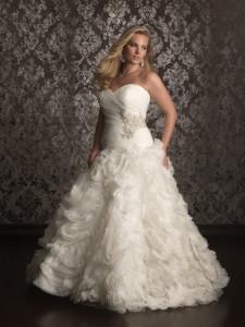 Выбираем свадебное платье по фигуре