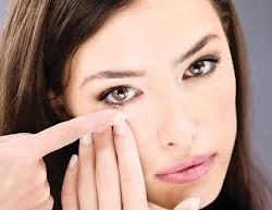 Как пользоваться косметикой при ношении контактных линз