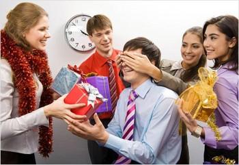 Новый год что презентовать подчиненным